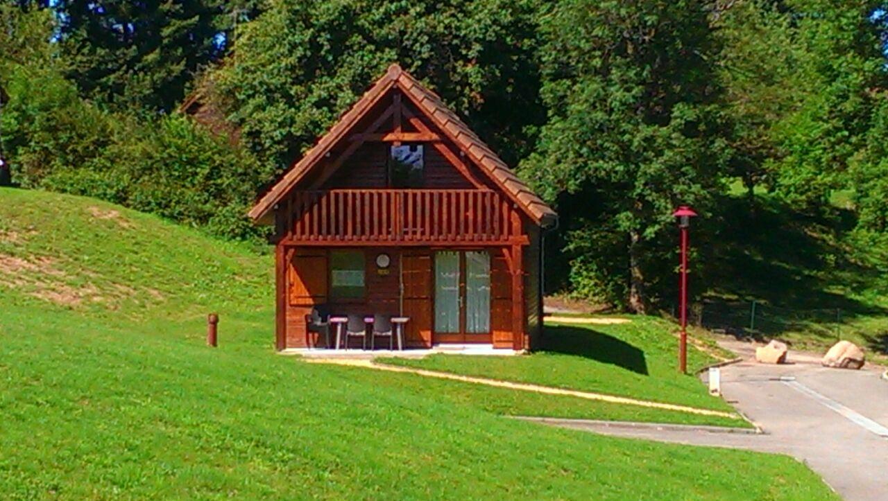 Camping bourgogne camping lyon for Bourgogne gite avec piscine